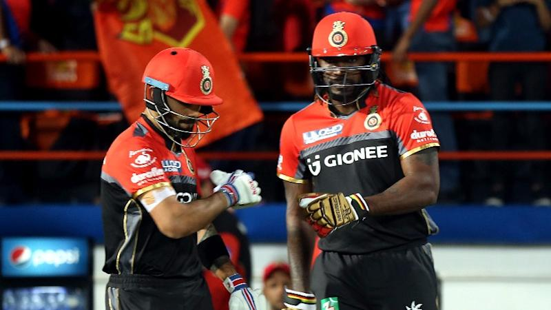 Kohli Congratulates Chris Gayle on Crossing the 10k Mark in T20