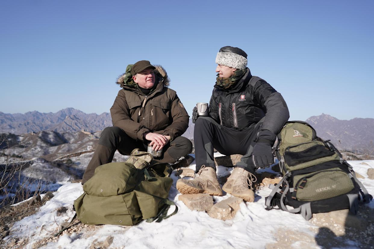 Ray Mears and wall expert Dr William Lindesay on The Great Wall of China. (ITV)