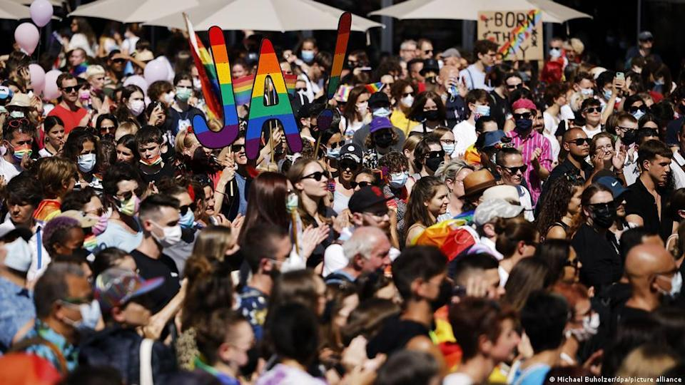 Switzerland legalizes same-sex marriage, gets a nearly two-thirds majority of votes