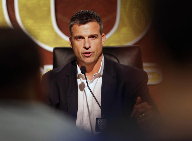 Oregon coach Mario Cristobal landed the sixth commitment in his 2019 recruiting class over the weekend. (Brian Davies/The Register-Guard via AP)