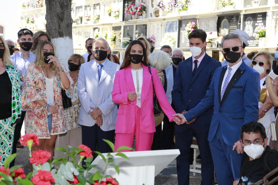 CHIPIONA, SPAIN - MAY 29: The family of Rocio Jurado at the cemetery on May 29, 2021 in Chipiona, Spain. (Photo By Leandro Wassaul/Europa Press via Getty Images)