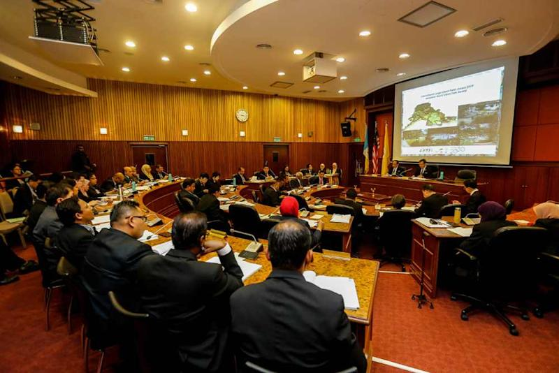 Councillors assemble as Penang Mayor Datuk Yew Tung Seang chairs the Budget meeting in George Town September 18, 2019. ― Picture by Sayuti Zainudin
