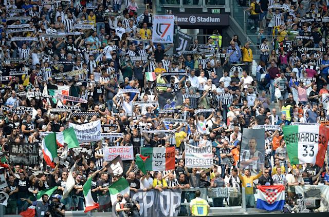 Soccer Football - Serie A - Juventus vs Hellas Verona - Allianz Stadium, Turin, Italy - May 19, 2018 Juventus fans before the match REUTERS/Massimo Pinca