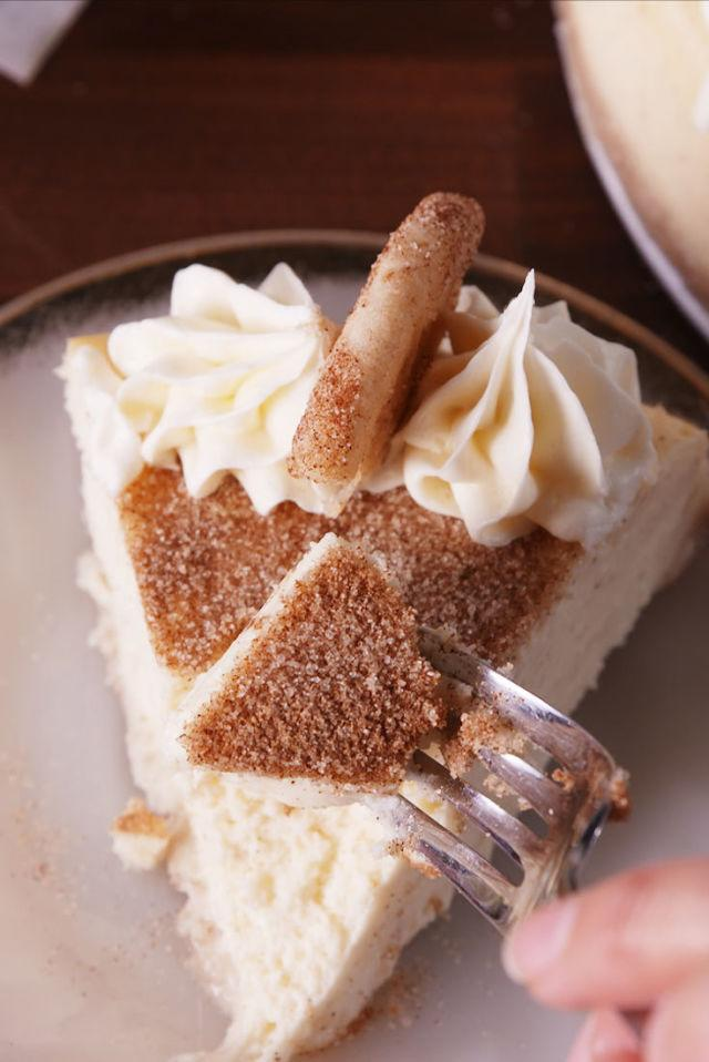 """<p>Snickerdoodle lovers, we've found the cake for you.</p><p>Get the recipe from <a rel=""""nofollow"""" href=""""http://www.delish.com/cooking/recipe-ideas/recipes/a54880/snickerdoodle-cheesecake-recipe/"""">Delish</a>.</p>"""