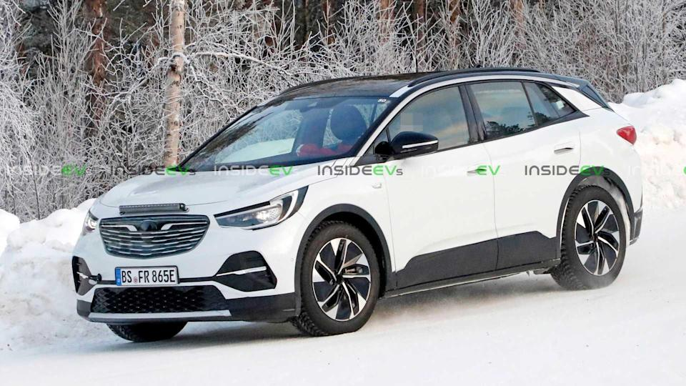 Volkswagen ID.4 Camouflaged As Opel - Spy Photo