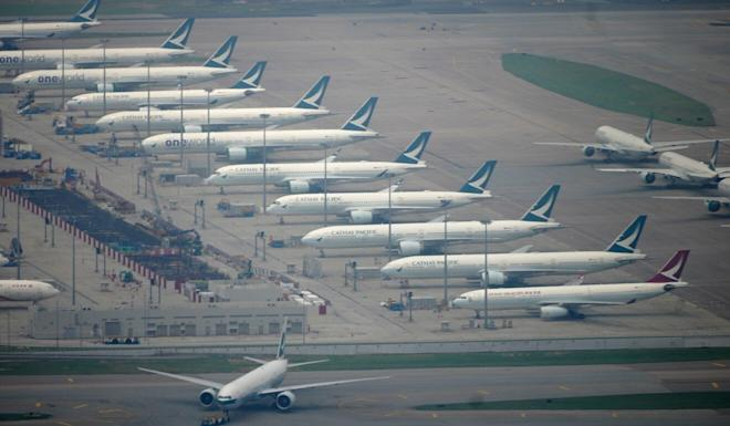 The move is likely to benefit airlines such as Cathay Pacific Airways. Photo: Sam Tsang