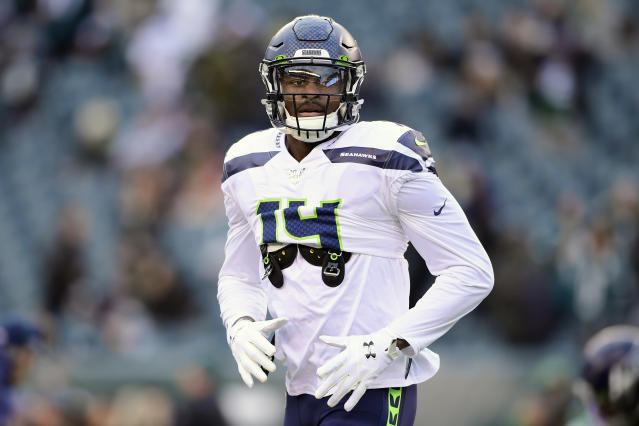 """D.K. Metcalf of the Seattle Seahawks warms up before a playoff game against the <a class=""""link rapid-noclick-resp"""" href=""""/nfl/teams/philadelphia/"""" data-ylk=""""slk:Philadelphia Eagles"""">Philadelphia Eagles</a> at Lincoln Financial Field on January 05, 2020, in Philadelphia, Pennsylvania. (Steven Ryan/Getty Images)"""
