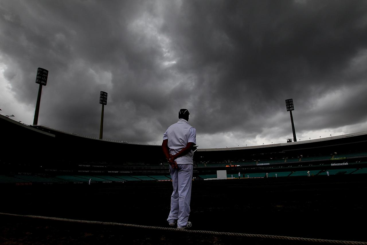 SYDNEY, AUSTRALIA - NOVEMBER 03:  Vernon Philander of South Africa fields as a storm approaches during day two of the International TOur Match between Australia A and South Africa at Sydney Cricket Ground on November 3, 2012 in Sydney, Australia.  (Photo by Chris Hyde/Getty Images)