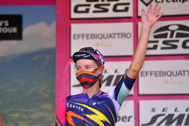 Hannah Barnes (Canyon-SRAM) second on stage 6 at the Giro Rosa