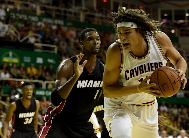 Sources: Anderson Varejao, Cavs in contract extension talks