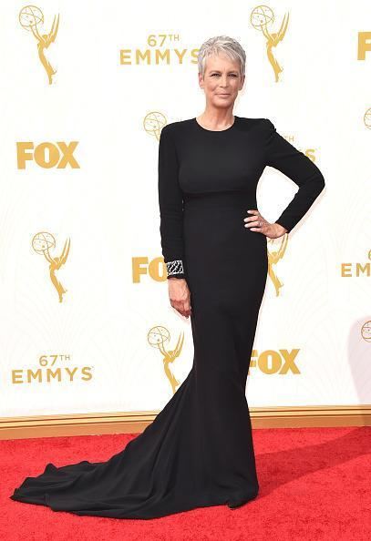 <p>Jamie Lee Curtis didn't dare to do anything very exciting, but the fact that the black gown fit her to a T gave her extra points.<br></p>