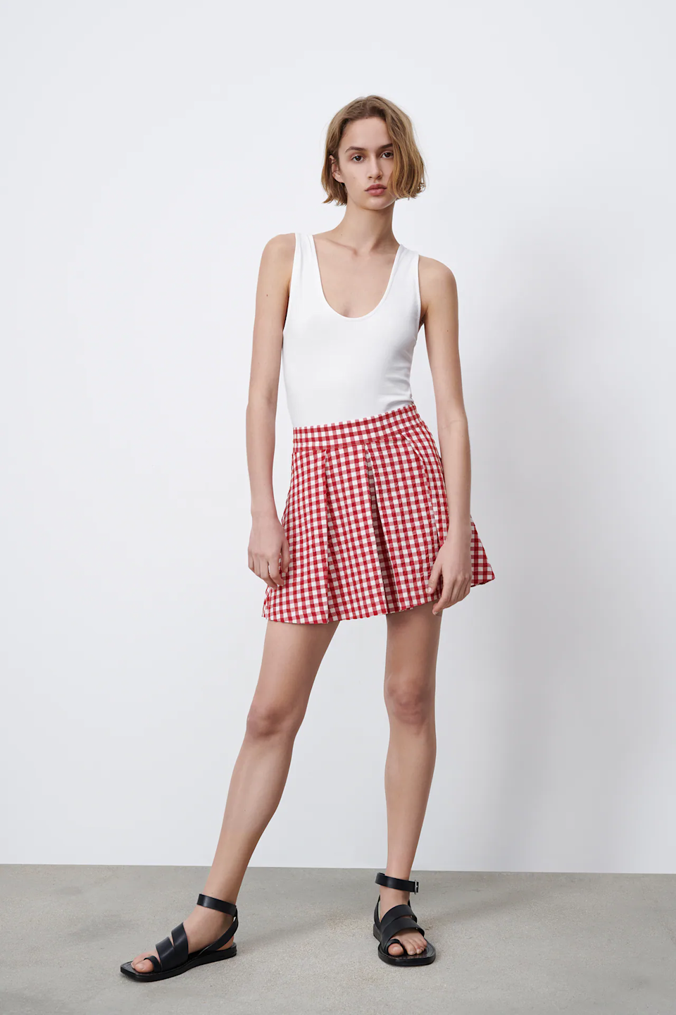 """<br><br><strong>Zara</strong> PLEATED GINGHAM SHORTS, $, available at <a href=""""https://go.skimresources.com/?id=30283X879131&url=https%3A%2F%2Fwww.zara.com%2Fus%2Fen%2Fpleated-gingham-shorts-p01165091.html"""" rel=""""nofollow noopener"""" target=""""_blank"""" data-ylk=""""slk:Zara"""" class=""""link rapid-noclick-resp"""">Zara</a>"""