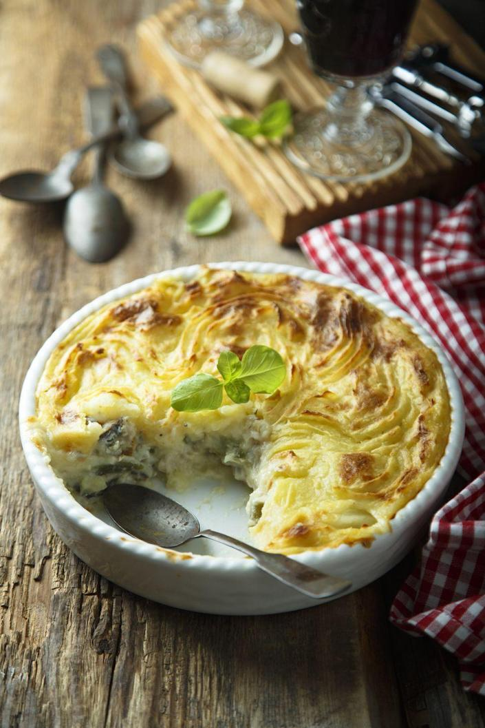 "<p>This comforting casserole dish is sometimes called fisherman's pie and for good reason—it's made with a creamy mixture of white fish and topped with mashed potatoes. It may have routes in British cuisine, but it's popular in Ireland and great for a cold March day.</p><p><a class=""link rapid-noclick-resp"" href=""https://go.redirectingat.com?id=74968X1596630&url=https%3A%2F%2Fwww.walmart.com%2Fsearch%2F%3Fquery%3Dpioneer%2Bwoman%2Bcasserole&sref=https%3A%2F%2Fwww.thepioneerwoman.com%2Ffood-cooking%2Fmeals-menus%2Fg35325053%2Ftraditional-irish-food-dishes%2F"" rel=""nofollow noopener"" target=""_blank"" data-ylk=""slk:SHOP CASSEROLES"">SHOP CASSEROLES</a></p>"