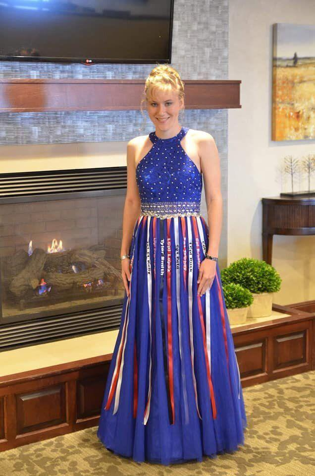 Aubrey Headon honored fallen Marines with her ribbon-accented prom dress. (Photo: Courtesy of Aubrey Headon)