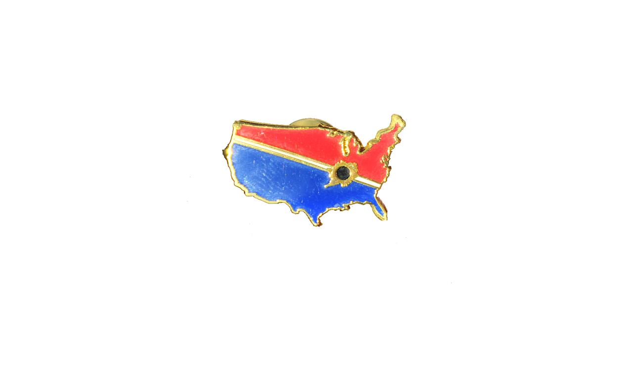 "<p>The Great American Eclipse 2017 Lapel Pin, $3, <a rel=""nofollow"" href=""https://www.greatamericaneclipse.com/souvenirs/gold-lapel-pin"">greatamericaneclipse.com</a> </p>"