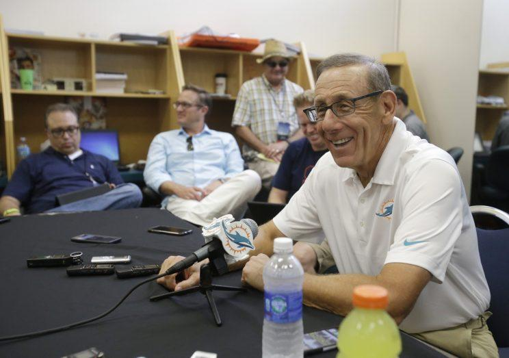 Dolphins owner Stephen Ross' alliance is pushing for all Miami players to register to vote. (AP)