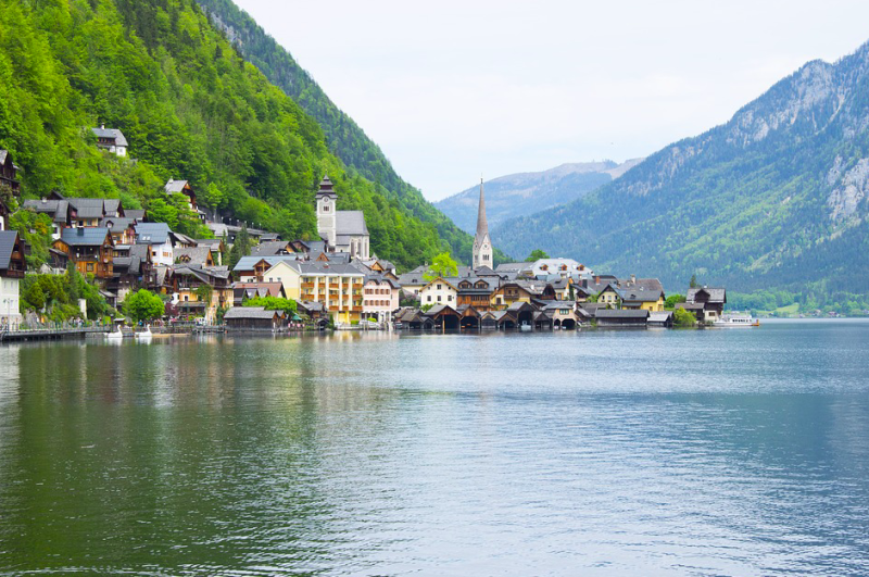 A British man has drowned in a lake in Mondsee (Pixabay/stock photo)