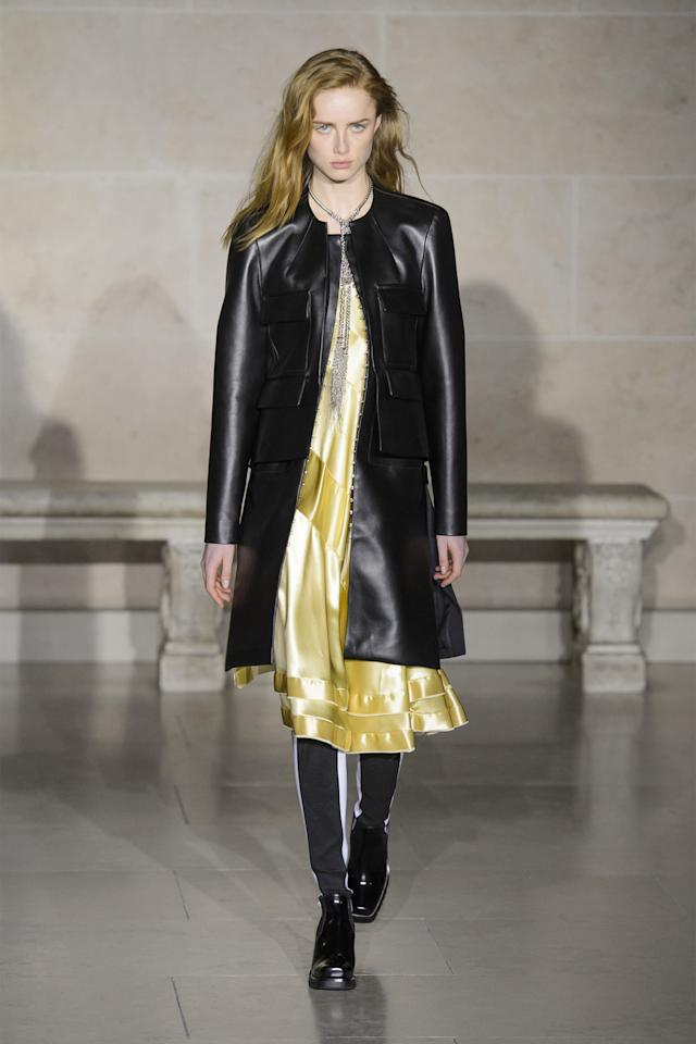 <p>Few settings could be more dramatic than sitting under the Louvre's glass pyramid—the ultimate cross-section of classical art in the modern world. It takes quite a designer to tear your attention away from looking up, but Nicolas Ghesquière was up to the task, unveiling his fall Louis Vuitton collection.<br></p>