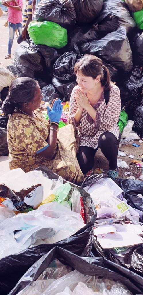 Local actress-host and activist Eunice Olsen met with waste pickers in Bengaluru, India. (PHOTO: The Body Shop)