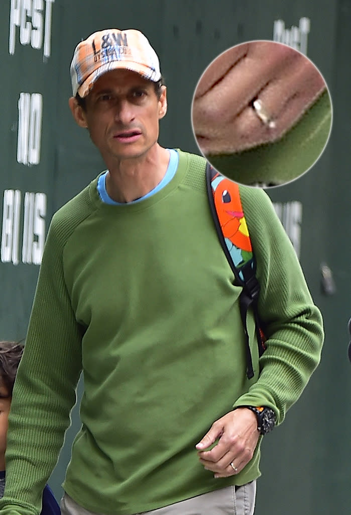 Anthony Weiner seen still wearing his wedding ring in Chelsea on June 5 in New York City. (Photo: Alo Ceballos/GC Images)