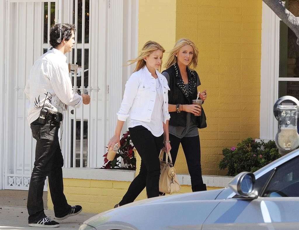 """Lauren """"Lo"""" Bosworth and Stephanie Pratt film scenes for an upcoming episode of """"The Hills"""" in West Hollywood. Hector Vasquez/<a href=""""http://www. PacificCoastNews.com"""" target=""""new"""">PacificCoastNews.com</a> - April 28, 2010"""