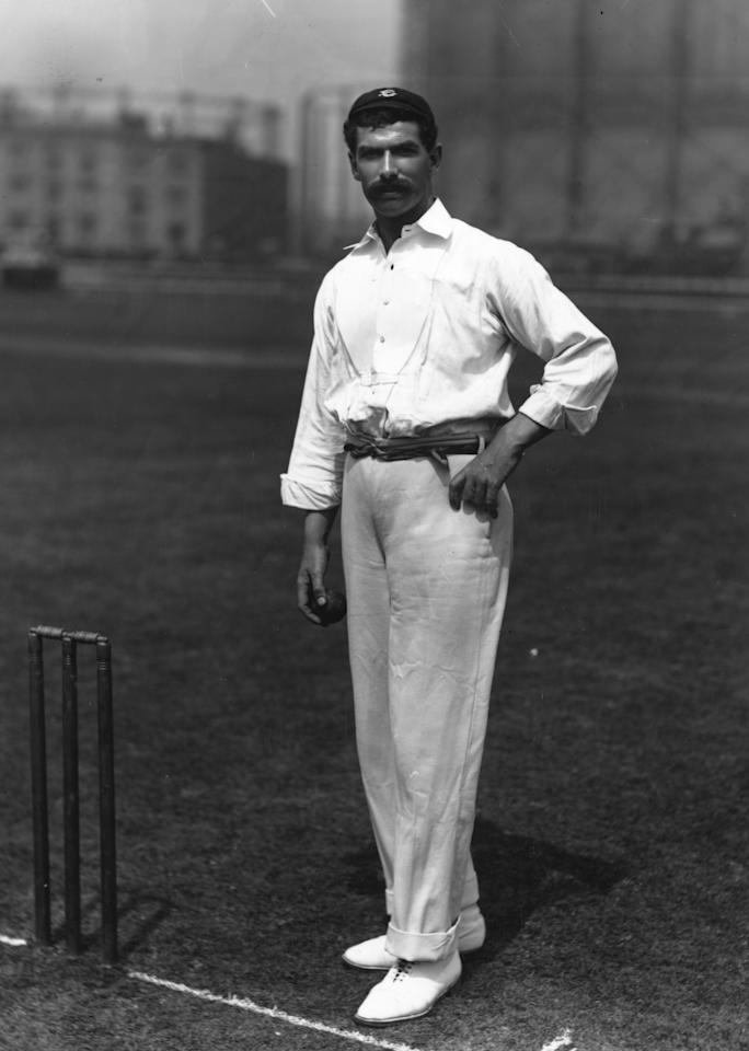 1897:  English fast bowler Tom Richardson (1870 - 1912), who played for Surrey and England cricket teams.  (Photo by Reinhold Thiele/Thiele/Getty Images)