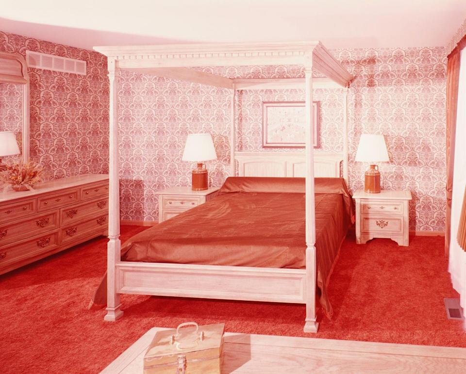 <p>There's nothing more '70s than a floor-to-ceiling green bedroom. It used to be all the rage to coordinate carpeting with wallpaper, but that trend has passed. </p>