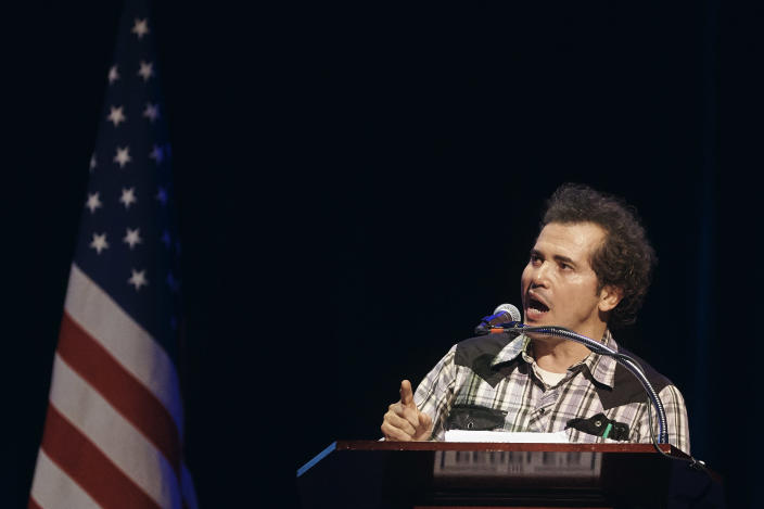 "Actor John Leguizamo speaks during the ""People's State of the Union"" event at The Town Hall, in New York City, Jan. 29, 2018. (Photo: Darren Ornitz/Reuters)"