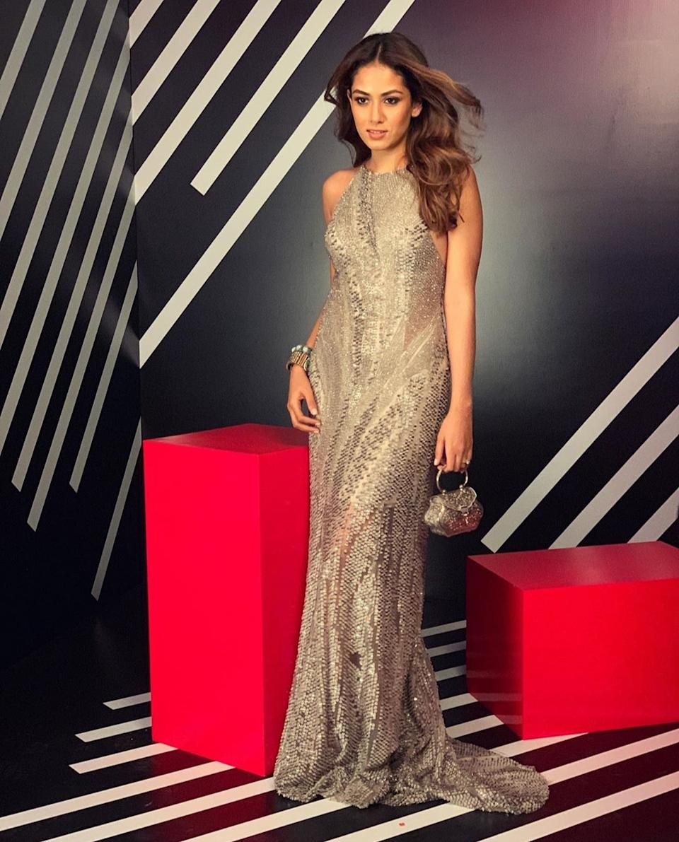 A grey gown styled with ethnic jewelry was what she chose to stun us with, at the first ever Vogue X Nykaa: The Power List 2019 evening. In a crowd of Bollywood's and fashion arena's who's who, the mother of two managed to stand out and take the attention of shutterbugs away from heavy-weights like Anushka Sharma and Janhvi Kapoor.