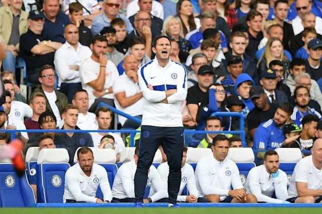 Chelsea manager Frank Lampard shouts instructions to his players (AFP Photo/Daniel LEAL-OLIVAS)