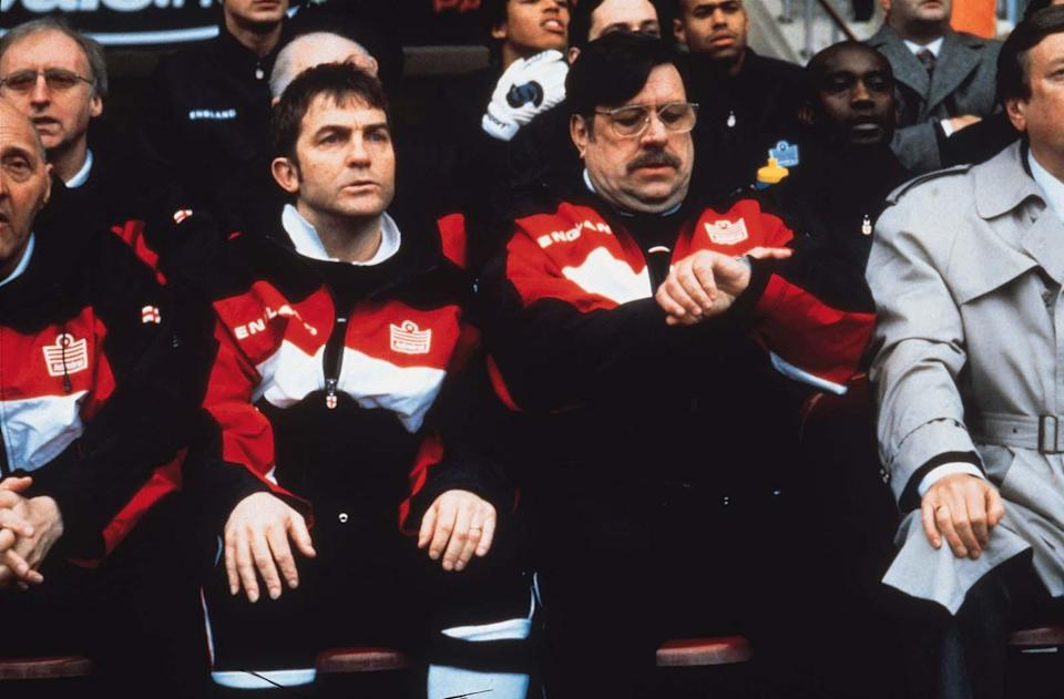 Mike Bassett watches the clock (Entertainment Film).