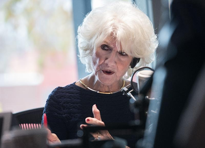 Radio host Diane Rehm speaks during the broadcast of her show at the offices of WAMU 88.5 station in Washington, DC, on November 28, 2016 (AFP Photo/Nicholas KAMM)