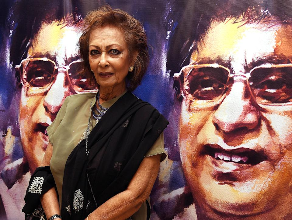 Indian Ghazal singer Chitra Singh attends a commemoration event on the birth anniversary of her late husband the Ghazal singer Jagjit Singh, in Mumbai on February 8, 2019. (Photo by Sujit Jaiswal / AFP)        (Photo credit should read SUJIT JAISWAL/AFP via Getty Images)