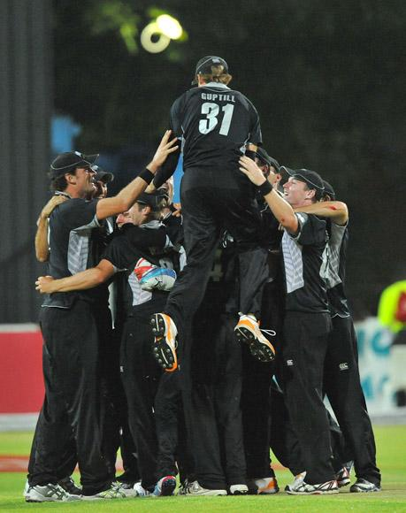 New Zealand players celebrate the series win during the 2nd One Day International match between South Africa and New Zealand at De Beers Diamond Oval on January 22, 2013 in Kimberley, South Africa.(Photo by Duif du Toit/Gallo Images/Getty Images)