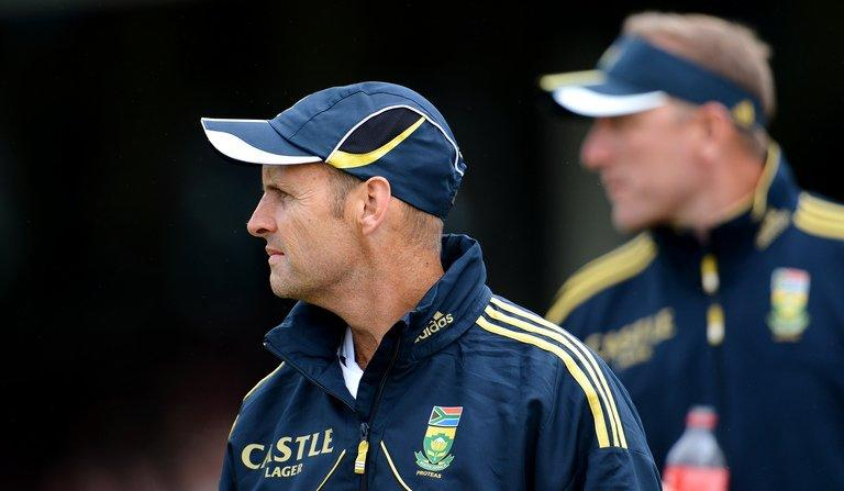 South African head coach Gary Kirsten (L) and bowling coach Allan Donald (R) are seen at the Sydney Cricket Ground on November 3, 2012. Kirsten admitted his team deserved the tag of chokers after it crashed to a seven-wicket defeat by England in the Champions Trophy semi-final on Wednesday
