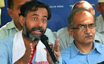 """A former close aide of Arvind Kejriwal and one of the founding members of the Aam Aadmi Party, Yogendra Yadav was voted out of AAP's Political Affairs Committee and expelled from the Party's National Executive for alleged anti-party activities in 2015. Yadav said that he had been targeted for questioning Kejriwal's 'authoritarian ways, accusing him of stifling power and using unfair means to capture power. Yadav then went on to form the Swaraj Abhiyan with fellow former AAP member Prashant Bhushan, sociologist Anand Kumar and Professor Ajit Jha. The dissent and public washing of the party's problems came as a major embarrassment to the AAP government which had just won the Delhi elections. <em><strong>Image credit: </strong></em><a href=""""https://twitter.com/ndtv/status/937694555595464704/photo/1"""" class=""""link rapid-noclick-resp"""" rel=""""nofollow noopener"""" target=""""_blank"""" data-ylk=""""slk:Twitter/NDTV"""">Twitter/NDTV</a>"""