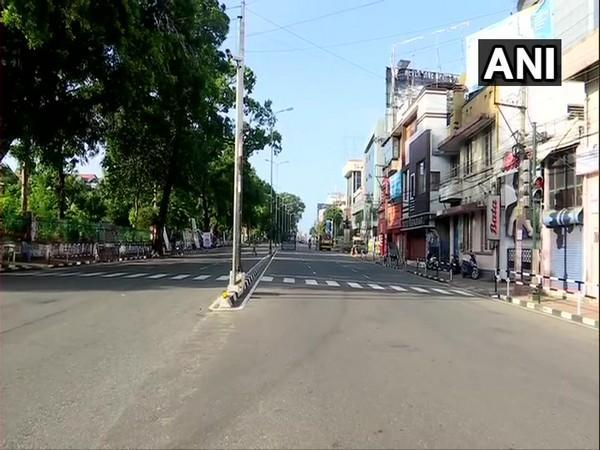 A visual from Thiruvananthapuram during complete weekend lockdown in Kerala. [Photo/ANI]