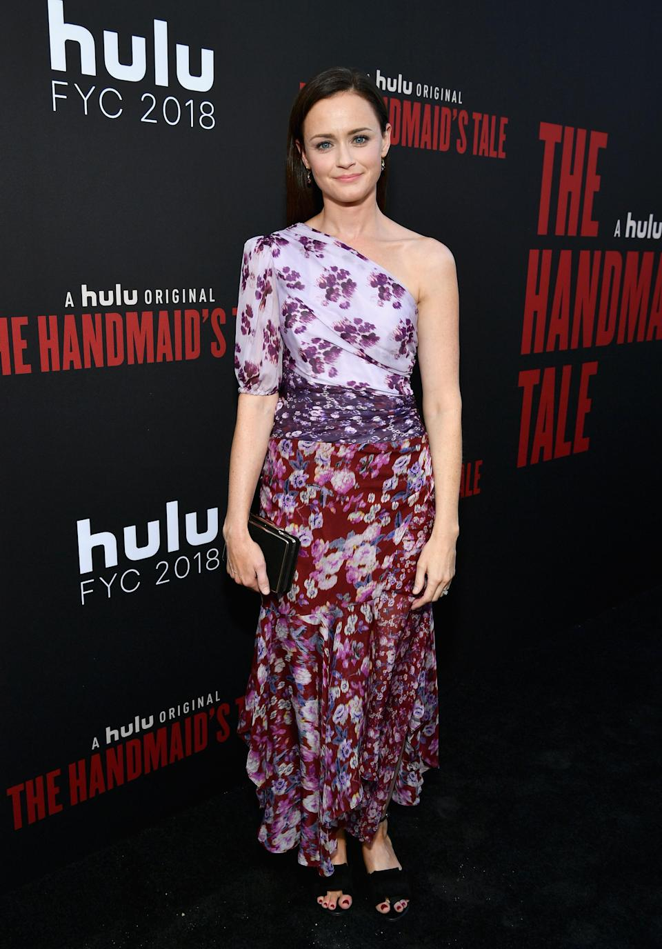 <p>For the finale of 'The Handmaid's Tale' in Los Angeles, actress Alexis Bledel wore a summer-ready floral dress with co-ordinating accessories. <em>[Photo: Getty]</em> </p>