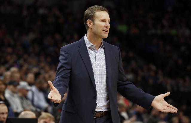 "Former <a class=""link rapid-noclick-resp"" href=""/nba/teams/chi"" data-ylk=""slk:Chicago Bulls"">Chicago Bulls</a> head coach Fred Hoiberg didn't just lose the respect of the veteran players in his locker room, but he apparently couldn't control the young players, either. (AP Photo/Jim Mone)"