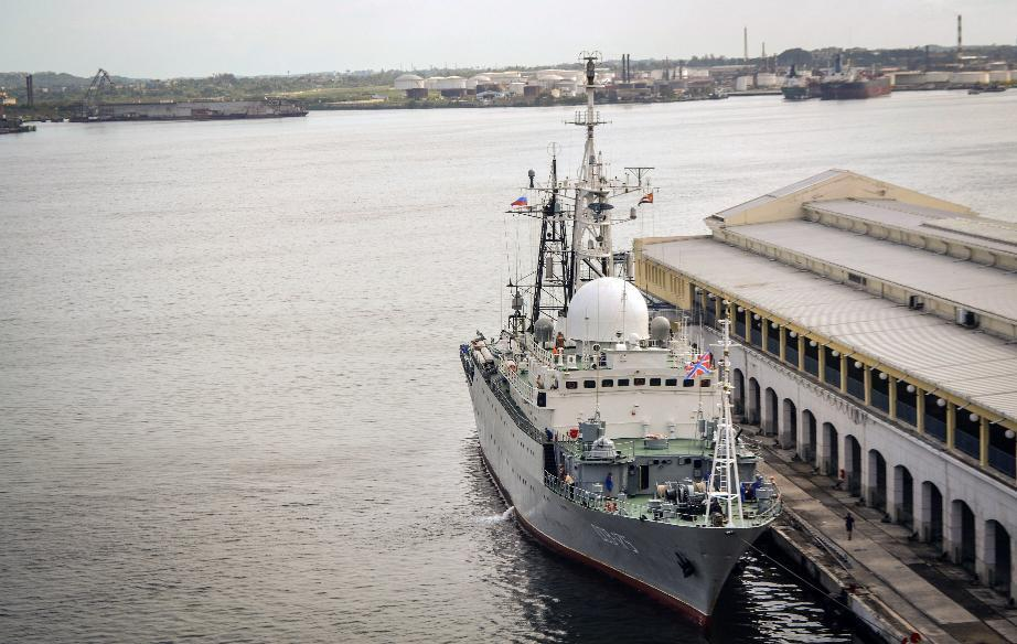 The Viktor Leonov CCB-175 is docked at the port of Havana, on January 20, 2015 (AFP Photo/Francisco Jara)