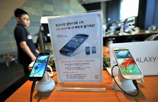 Samsung, Apple top 'smart device' Q3 sales: survey