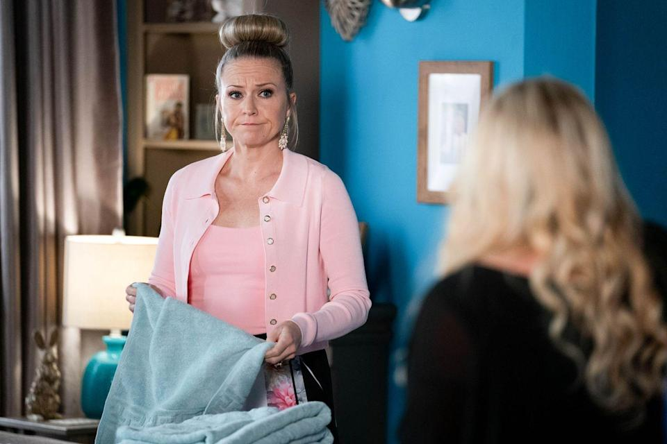 <p>She reveals that Max is close to figuring out who attacked Ian last year.</p>