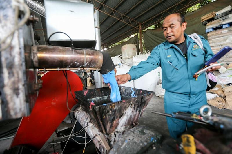 Zuraida disclosed that only eight of the 114 approved plastic factories fulfilled all of the ministry's terms and conditions. — Picture by Ahmad Zamzahuri