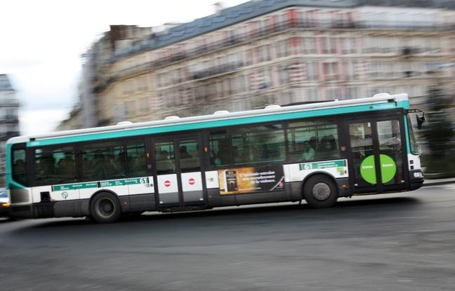 Un passager mortellement poignardé par un cycliste à bord d'un bus — Paris