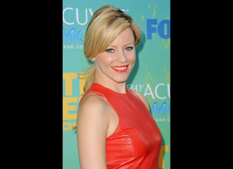 Actress Elizabeth Banks arrives at the 2011 Teen Choice Awards held at the Gibson Amphitheatre on August 7, 2011 in Universal City, California. (Getty)
