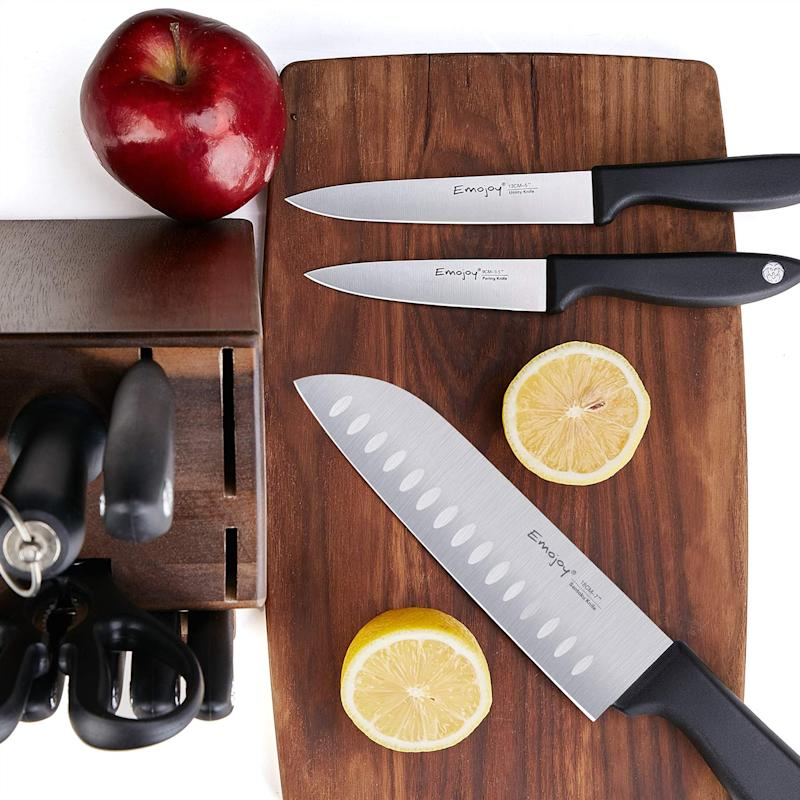 Emojoy 15-Piece Knife Set. (Photo: Amazon)