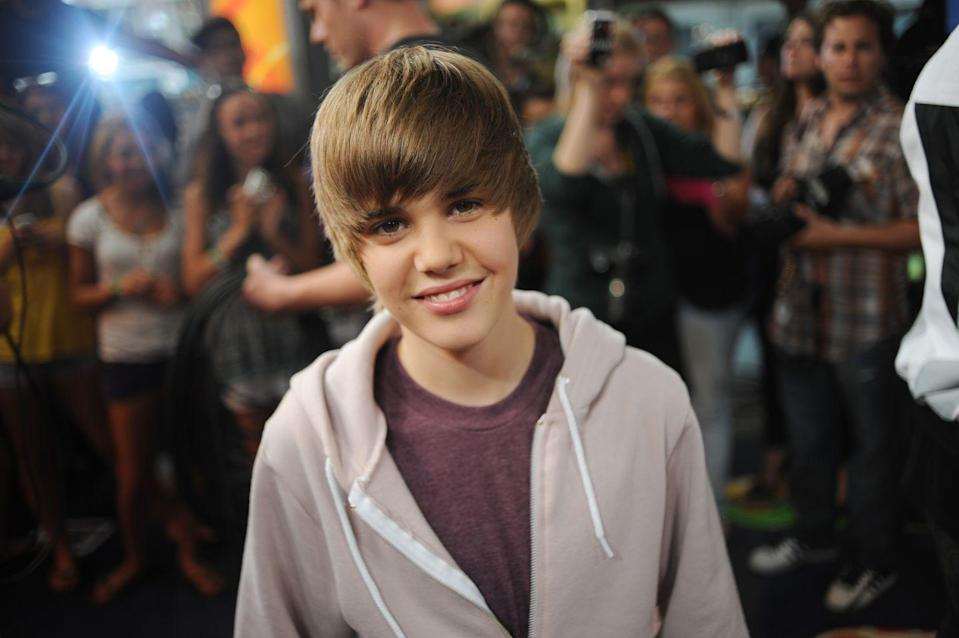 """<p>Justin Bieber was already famous when he decided to get braces. Instead of going with the traditional kind, he <a href=""""https://www.luvmysmile.com/blog/invisalign-braces-justin-bieber/"""" rel=""""nofollow noopener"""" target=""""_blank"""" data-ylk=""""slk:elected to get Invisalign"""" class=""""link rapid-noclick-resp"""">elected to get Invisalign</a>. </p>"""
