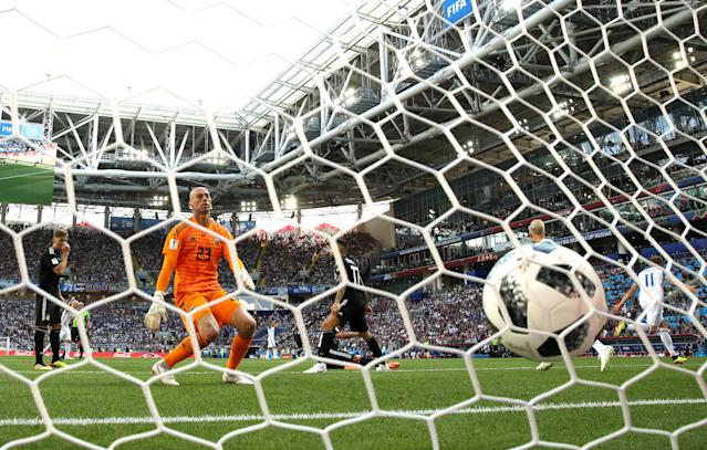 <p>It's in! Alfred Finnbogason draws Iceland level moments after Argentina go in front </p>