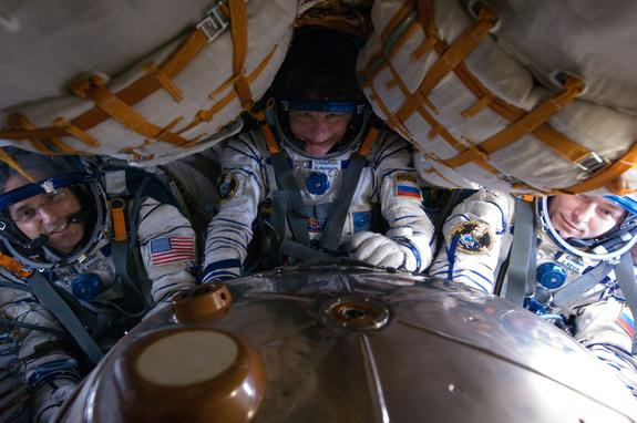 3 Space Station Astronauts to Return to Earth Tonight