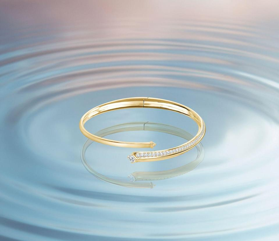 """<p><strong>Who: </strong>Forevermark</p><p><strong>What: </strong>Avaanti Collection</p><p><strong>Where:</strong> Online at Forevermark.com</p><p><strong>Why: </strong>The De Beers Group brand Forevermark has released their newest collection, Avaanti. Avaanti translates to """"forward"""" from Italian, and the new collection symbolizes a kinetic energy brought to life by brilliant 18K gold and conflict-free diamonds. The collection includes bracelets, pendants, necklaces, and rings, all characterized by a swooping circular pendant, signaling perpetuity in motion. <strong><br></strong></p><p> <a class=""""link rapid-noclick-resp"""" href=""""https://www.forevermark.com/en-us/collections/forevermark-avaanti-collection/"""" rel=""""nofollow noopener"""" target=""""_blank"""" data-ylk=""""slk:SHOP NOW"""">SHOP NOW</a></p>"""